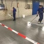 aanbrengen epoxy troffel vloer